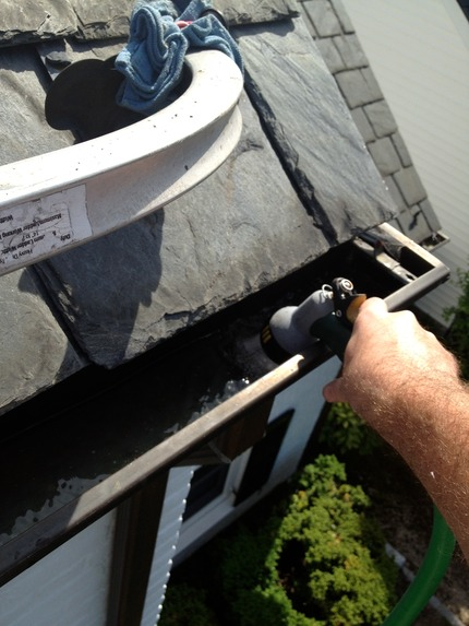 Gutter Cleaning - Marc