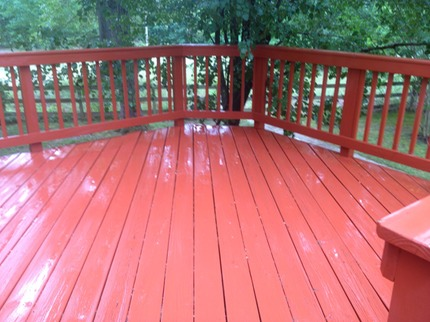 after picture of a deck in richmond that needed a basic soft wash to remove algae and mold.  if this was aloud to persist, the stain would be compromised and $$$ to fix the problem.  deck came out great